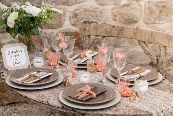 Decoration de table dentelle argent
