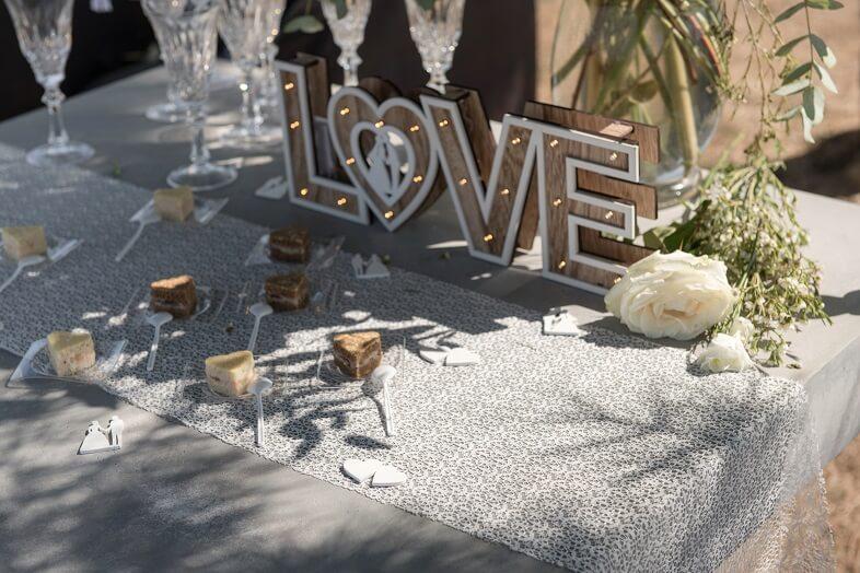 Decoration de table dentelle blanche 3