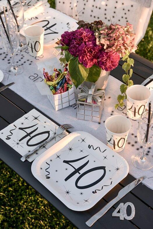 Decoration de table fete anniversaire 40ans argent