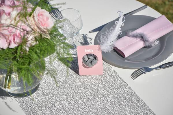 Decoration de table grise et rose