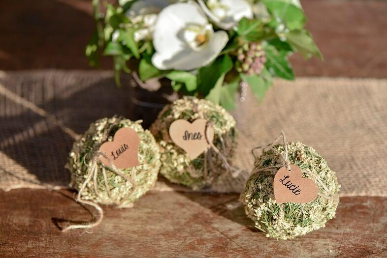 Decoration de table mariage avec marque place coeur
