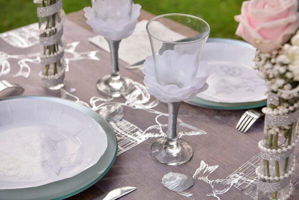 Decoration de table mariage avec rose