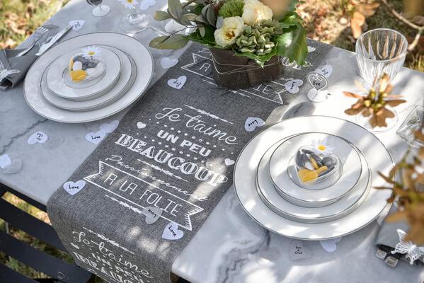 Decoration de table mariage coeur blanc