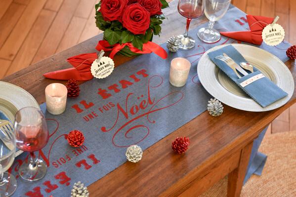Decoration de table noel bleu et rouge