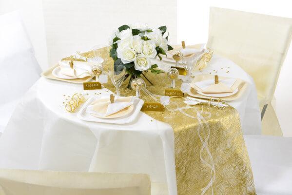Decoration de table or et blanche
