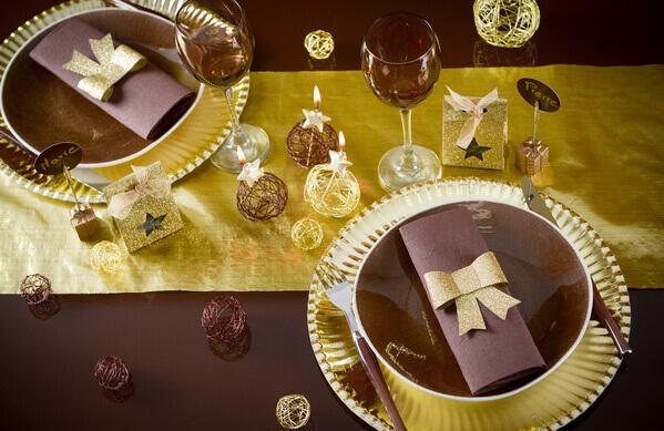 Decoration de table or et chocolat