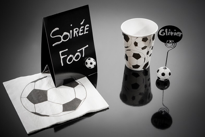 Decoration de table serviette football noire et blanche