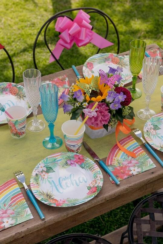 Decoration de table theme des iles aloha
