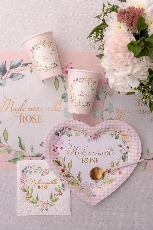 Decoration de table vaisselle baby shower rose fille fleur