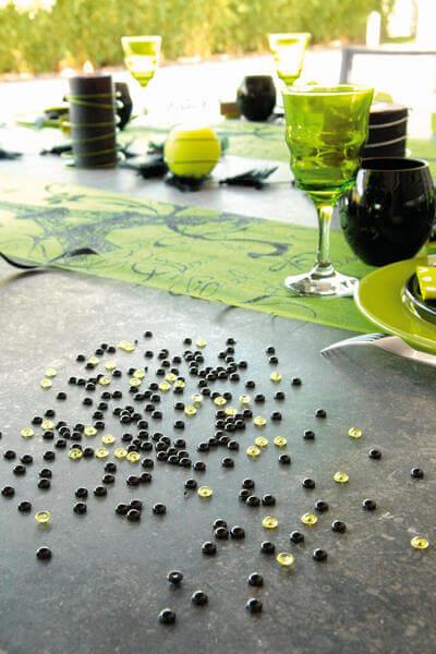 Decoration de table verte et noire 1