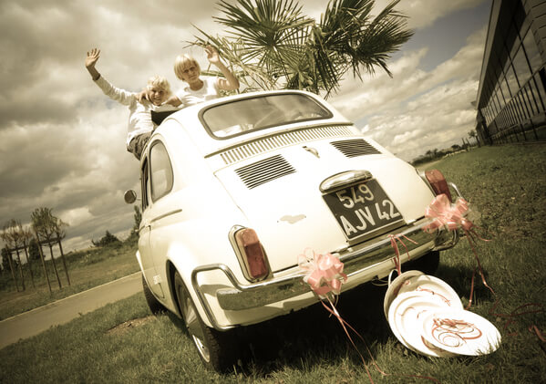 Decoration de voiture mariage rose