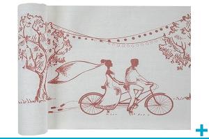 Decoration elegante avec chemin de table mariage