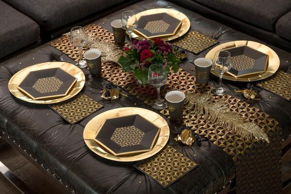 Decoration elegante de noel noir et or