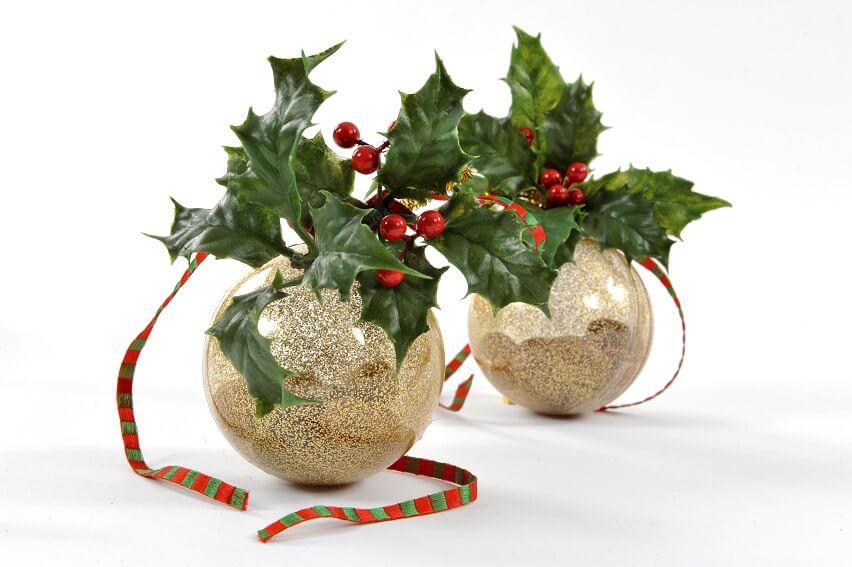 Decoration fete avec boule pvc paillettee or