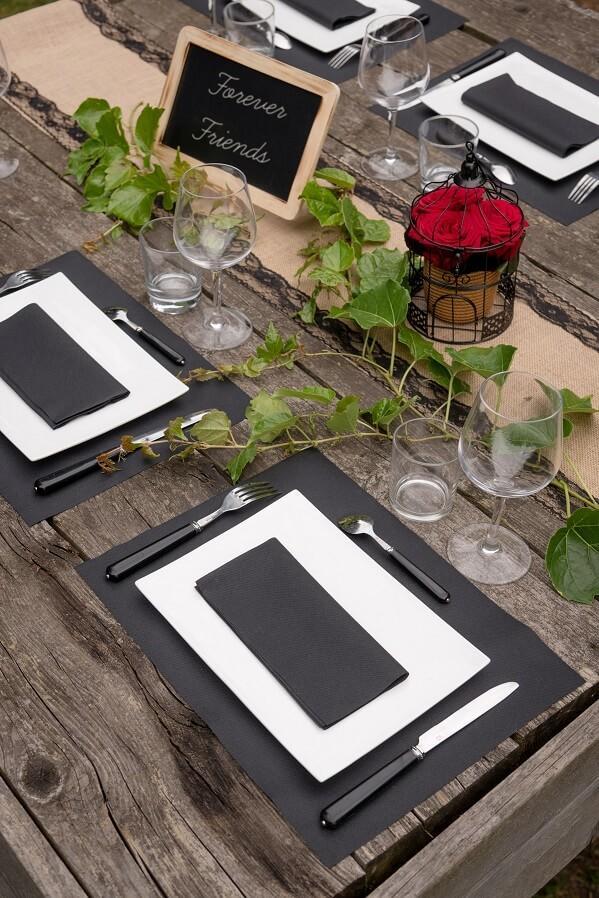 Decoration fete set de table noir tissu airlaid