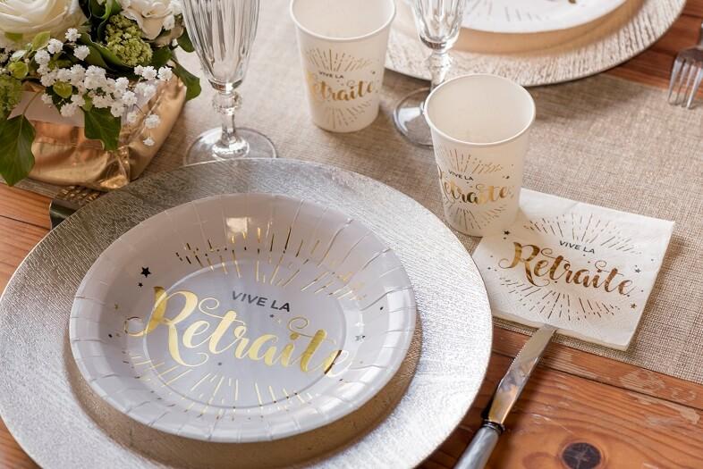Decoration gobelet vive la retraite blanc et dore metallise