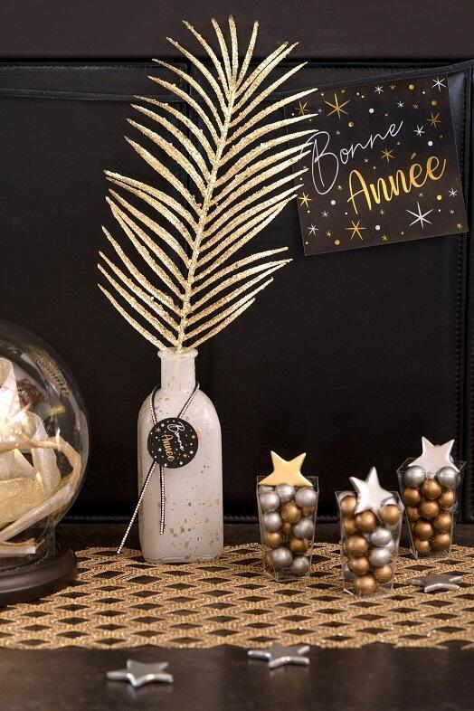 Decoration guirlande fanion bonne annee horloge noir or