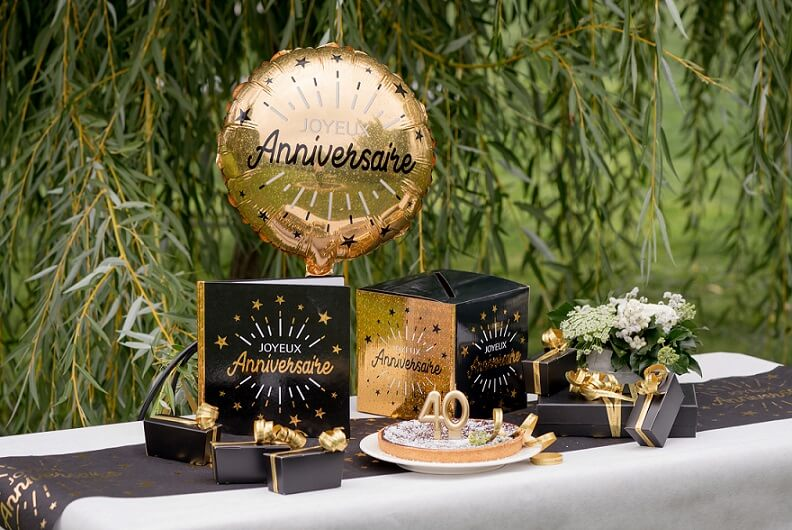 Decoration livre dor joyeux anniversaire noir et or metallique