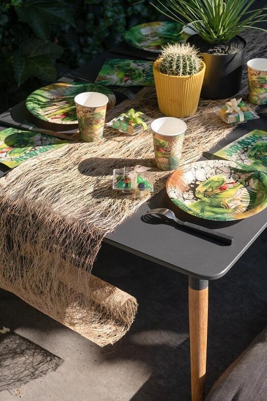 Decoration naturelle avec chemin de table abaca