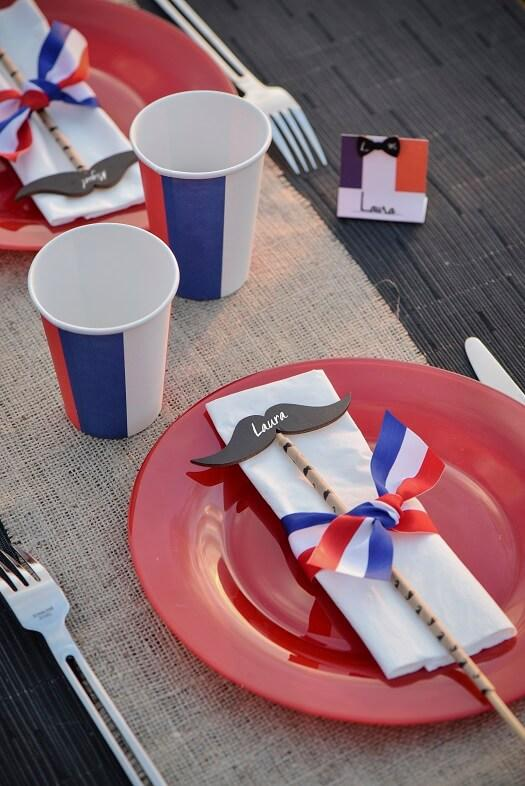 Decoration serviette de table avec ruban tricolore france