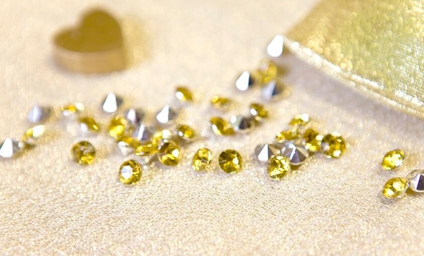 Decoration strass diamant doree