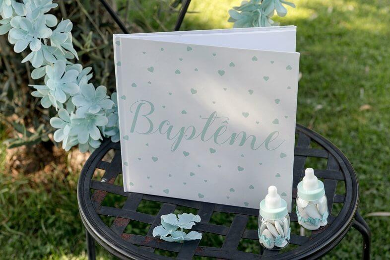 Decoration tirelire et livre d or bapteme coeur vert d eau mint