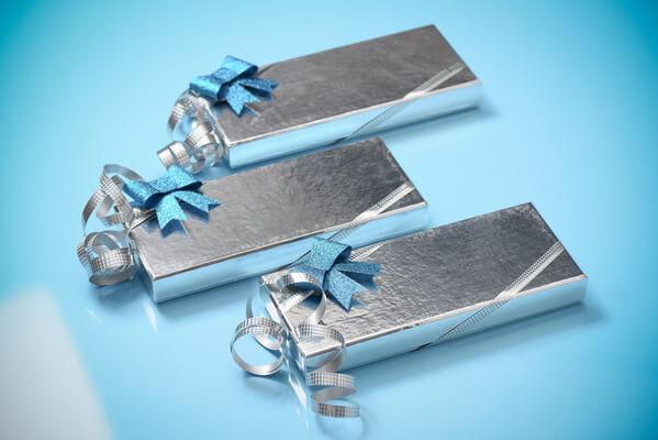 Emballage cadeaux bolduc argent