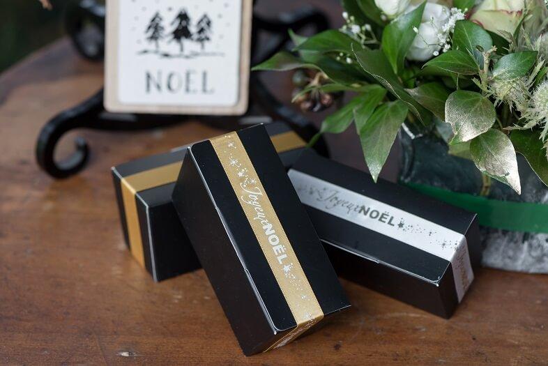 Emballage cadeaux de noel or