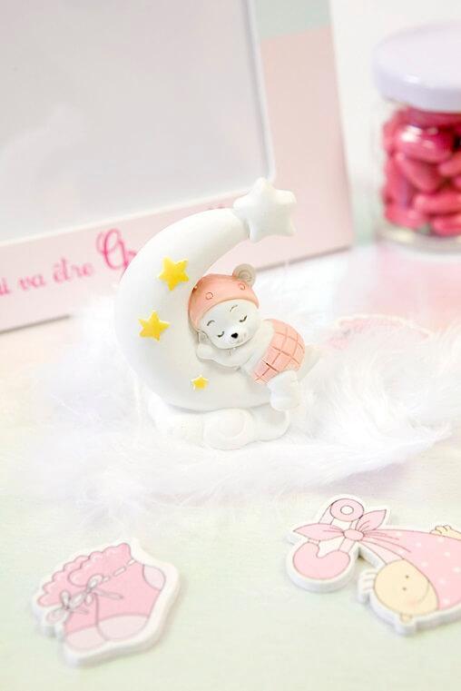 Figurine sujet fille rose sur lune resine