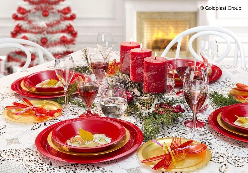 Fourchette en plastique rouge