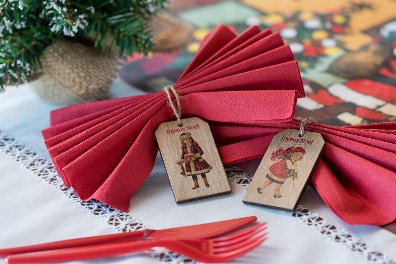 Fourchette rouge en plastique