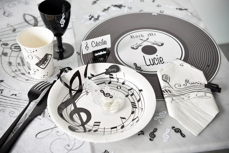Gobelet jetable en carton musique noir et blanc
