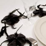 Guirlande de fleurs en plume noire (x1) REF/DEC383