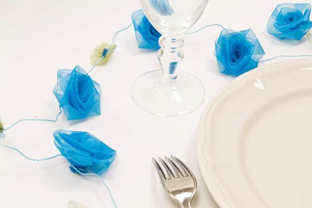 Guirlande de roses organza bleu turquoise