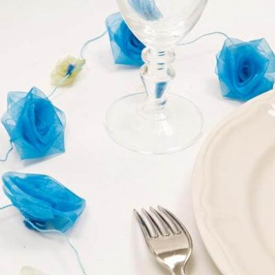 Guirlande de roses organza bleu turquoise (x1) REF/DEC381