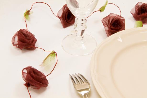 Guirlande de roses organza bordeaux