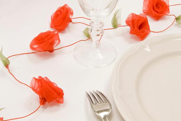 Guirlande de roses organza rouge