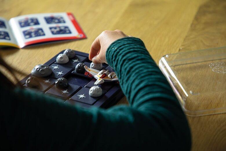 Jeu voyage de reflexion pour enfants alerte asteroides