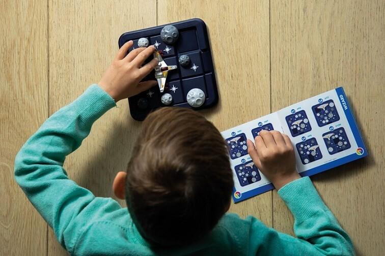 Jeux educatif compact de reflexion pour enfants asteroides