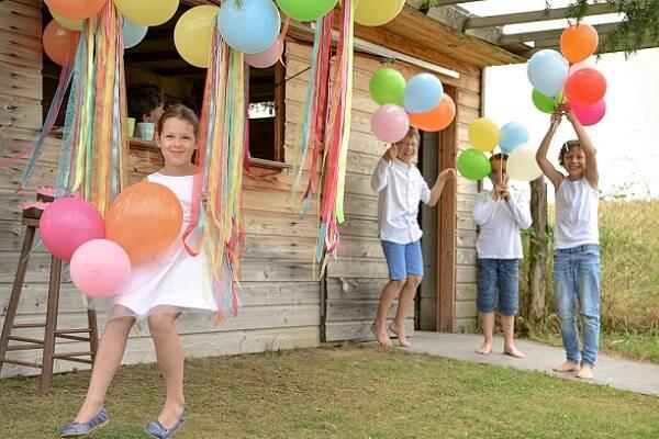 Jeux pour enfants avec ballons en latex