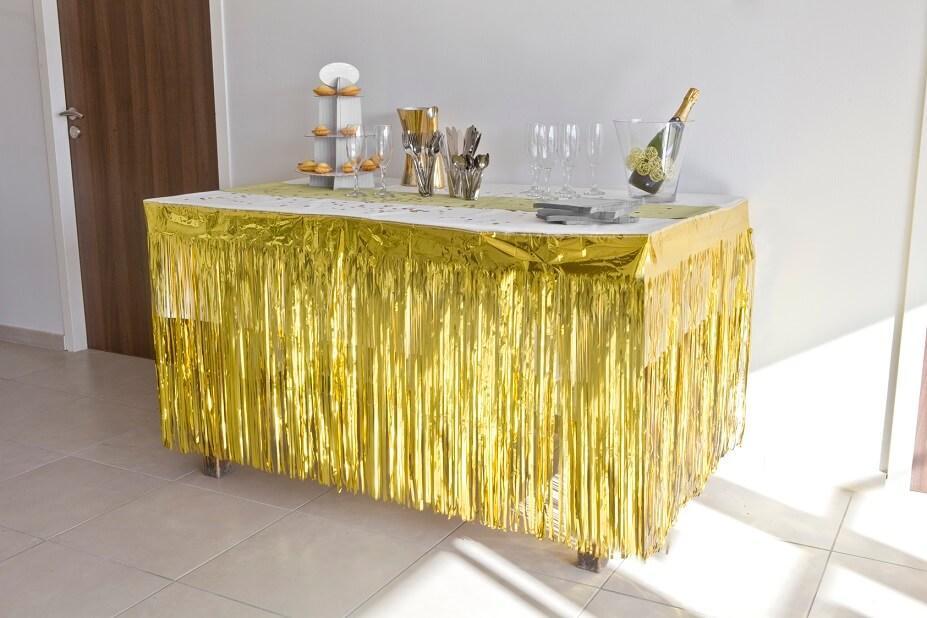 Jupon de table avec rideau frange or dore