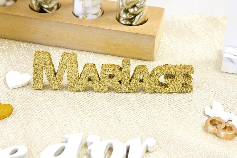 Lettre pailletee mariage doree
