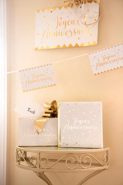 Livre d or joyeux anniversaire blanc et or