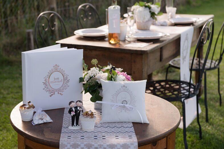 Livre d or mariage just married blanc et rose gold metallique
