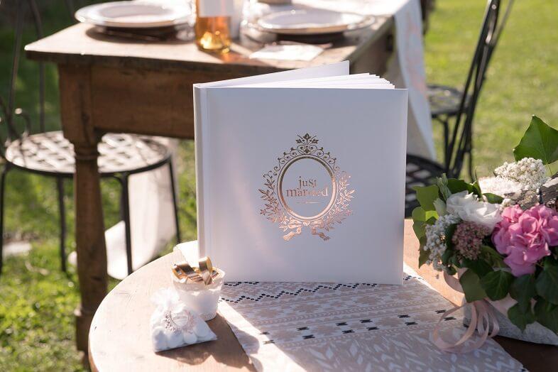 Livre d or mariage just married blanc et rose gold metallise