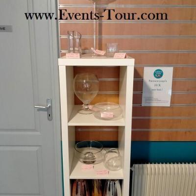 REF/EV-302 / Location d'un vase transparent décoratif en verre coupe sur pied (x1)