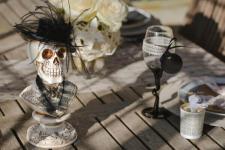 Location Halloween avec buste tête de mort élégante (x1) REF/EV-416
