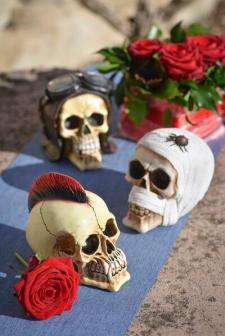 Location Halloween avec tête de mort horrifique momie (x1) REF/EV-414
