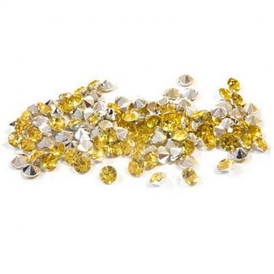 Décoration de table avec mini strass diamant dorée et transparent (x120) REF/DEC851