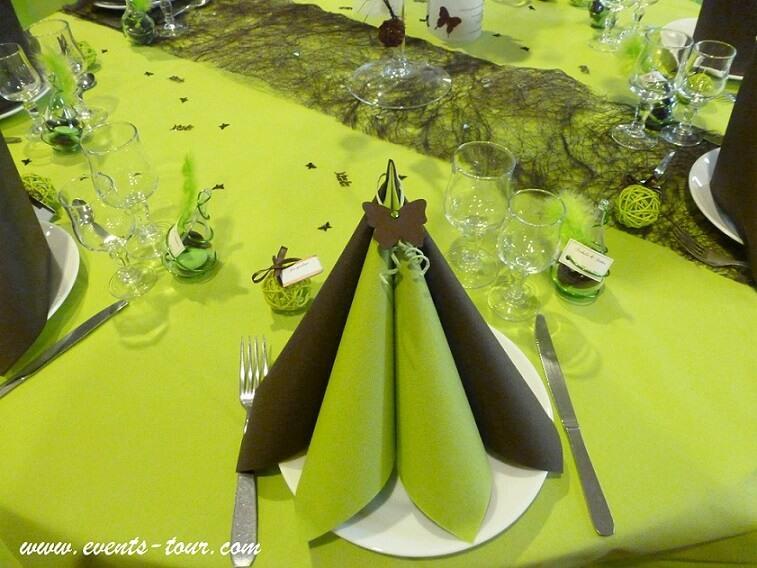 Nappe jetable vert kiwi pour decoration de table en 50m